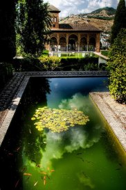 alhambra-place-spain-built-by-the-nasrid-arabs-j
