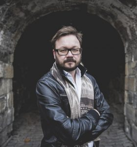 johnsrud-ingar-credits-akamik3-280x300