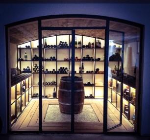 cave-a-vin-metal-bois-led-realiser-par-david-enjalbert-dedesign-metal-fabrication-stockage-1500-bouteilles-vin-blanc-vin-rouge-champagne-champagne-rose