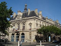 Mairie_11e_vue_Avenue_Parmentier